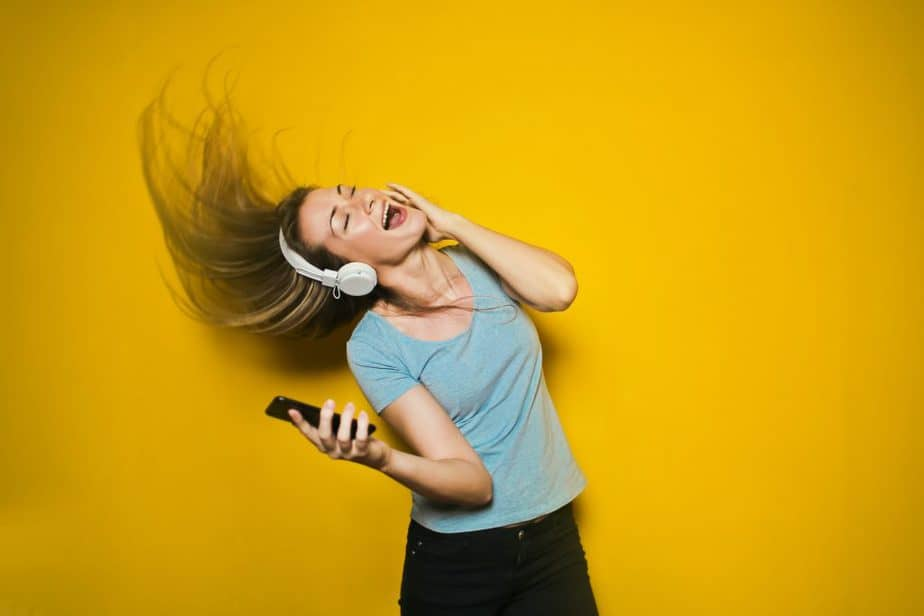 Royalty-Free Music: What It Is And What Are The Perks Of Using It In Your Multimedia Projects